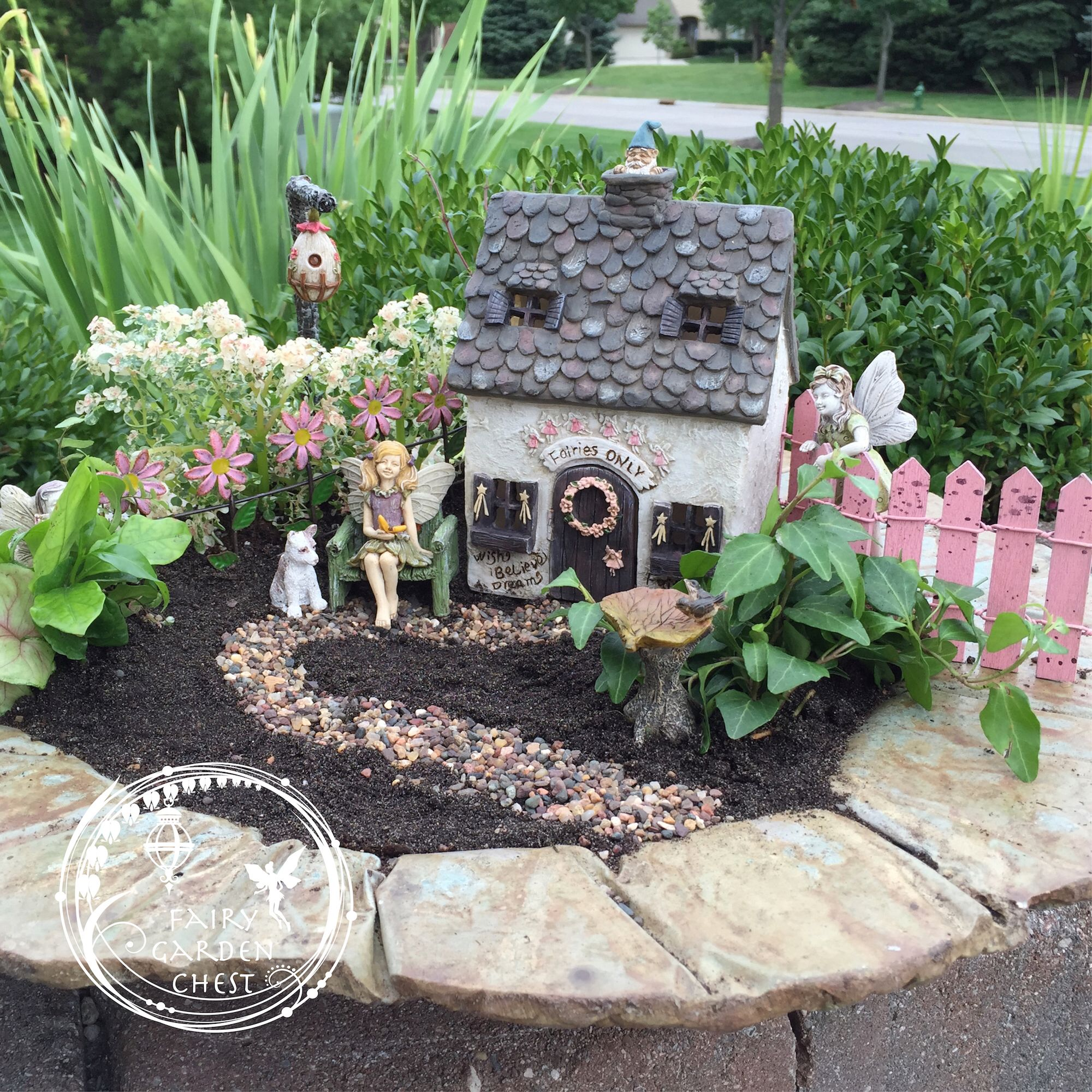 Definite fairy garden curb appeal Do you love miniature gnome and ...