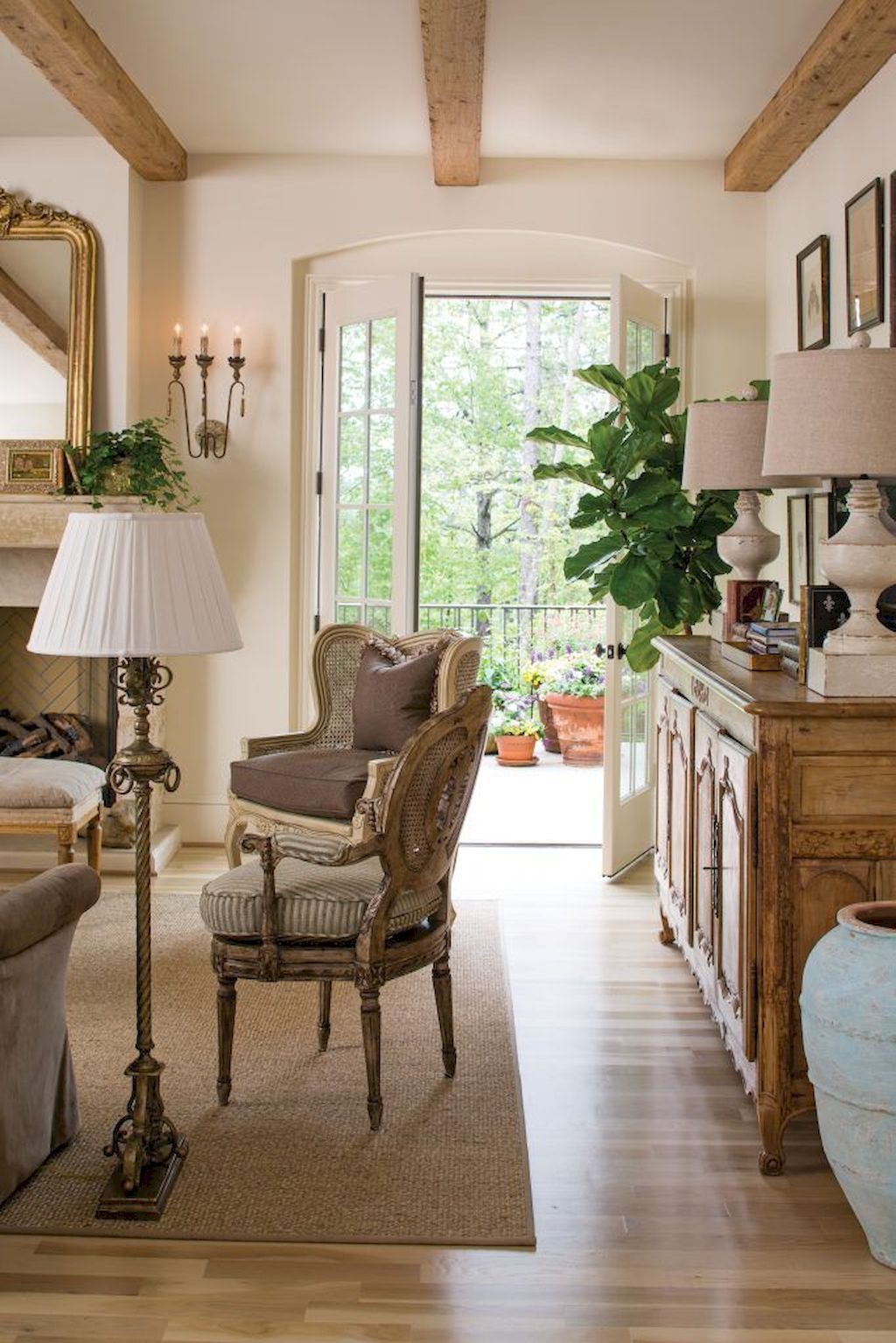 60 Fancy French Country Living Room Decor Ideas #livingroomideas
