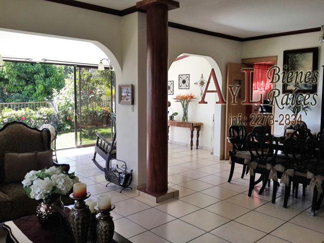 Casa en venta en Colonia Escalon, El Salvador Casas en
