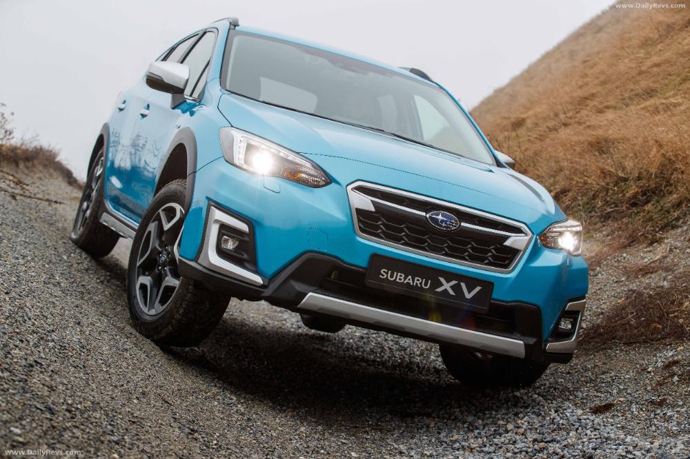 2020 Subaru Xv E Boxer Hd Pictures Videos Specs Information In 2020 Subaru Boxer Compact Crossover