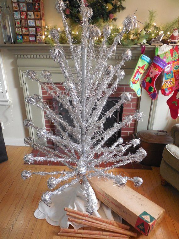 Sale Sparkly Retro 6 Foot Stainless Aluminum Silver Warren Pom Pom Christmas Tree Tinsel With Orig Vintage Christmas Tree Toppers Metal Christmas Tree Retro Christmas