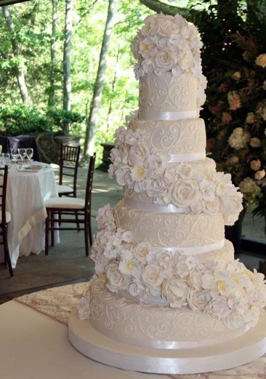 Classic white wedding cake white flower cake shoppe cakes classic white wedding cake white flower cake shoppe mightylinksfo