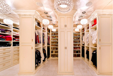 Holy mother! This closet is amazing!