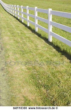 A, langer, weiß, bauernhof, zaun, in, landschaft, umgeben, weide Stock Bild   bld118380