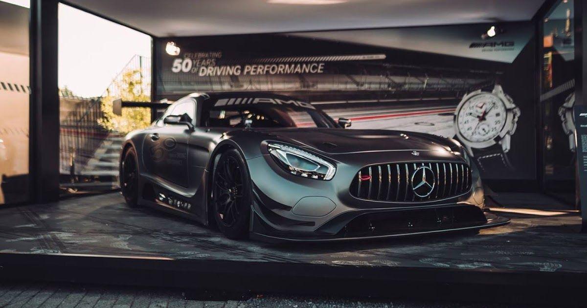 Mercedes AMG GT 3 Edition 50, Cuman 5 Unit ? Satu lagi karya spesial hasil kerja bareng Mercedes-AMG. Kali ini Mercedes-AMG meluncurkan mobil spesial edition bernama GT3 Edition 50.