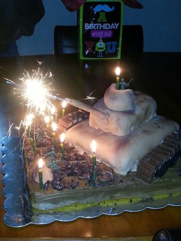 Army tank cake I made for my bffs sons birthday It came out