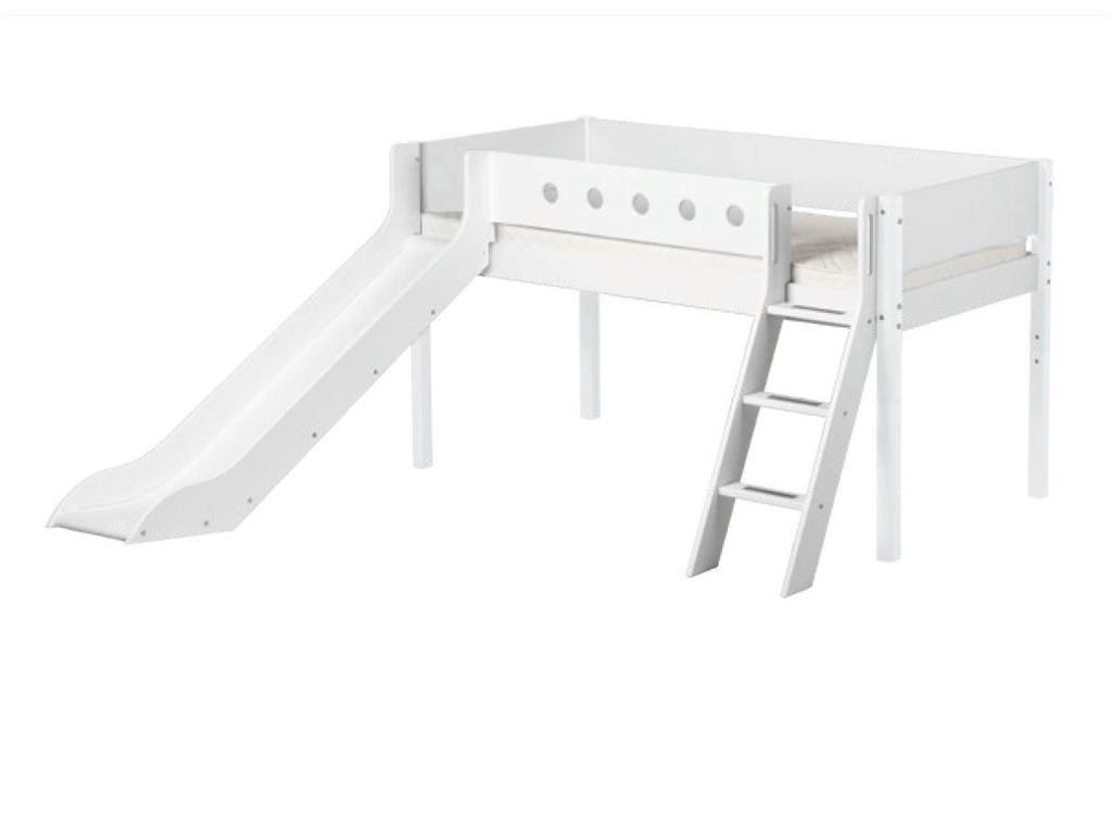 Etagenbett Mit Rutsche Weiß : Flexa white halbhochbett weiß mit schräger leiter und rutsche