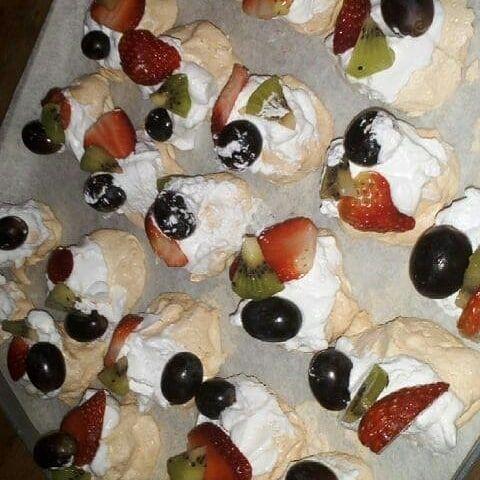 Pavlova percubaan ikut dan 🙊🙊🙊 #lovedessert #dessert #desserts #foodie #foodporn #foods #foodstagram #foodies #pavlova #minipavlova #pavlovalover #minipavlova