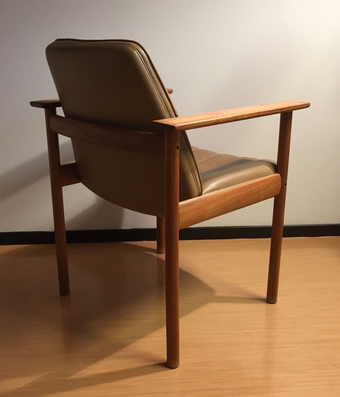 finn møbler