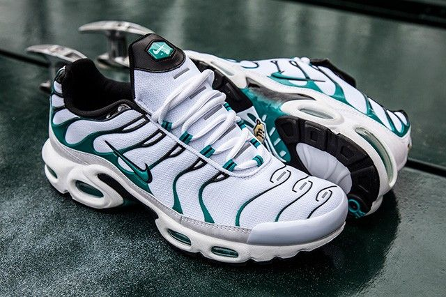 NIKE AIR MAX PLUS (TURBO) | Nike air max, Nike air max plus