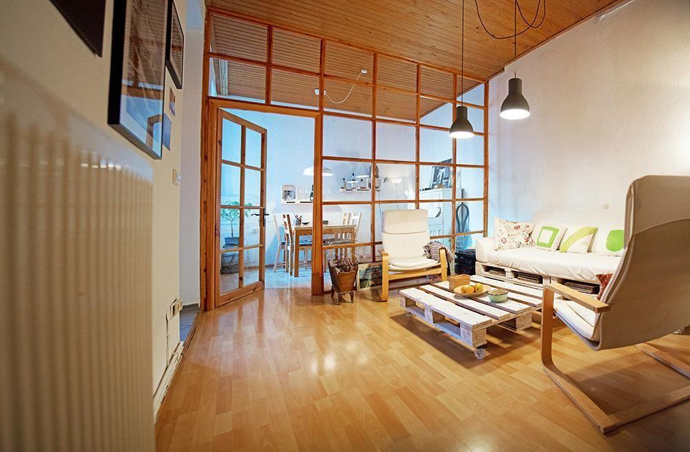 Weiß gestrichener Palettentisch fürs Wohnzimmer #DIY #Tisch