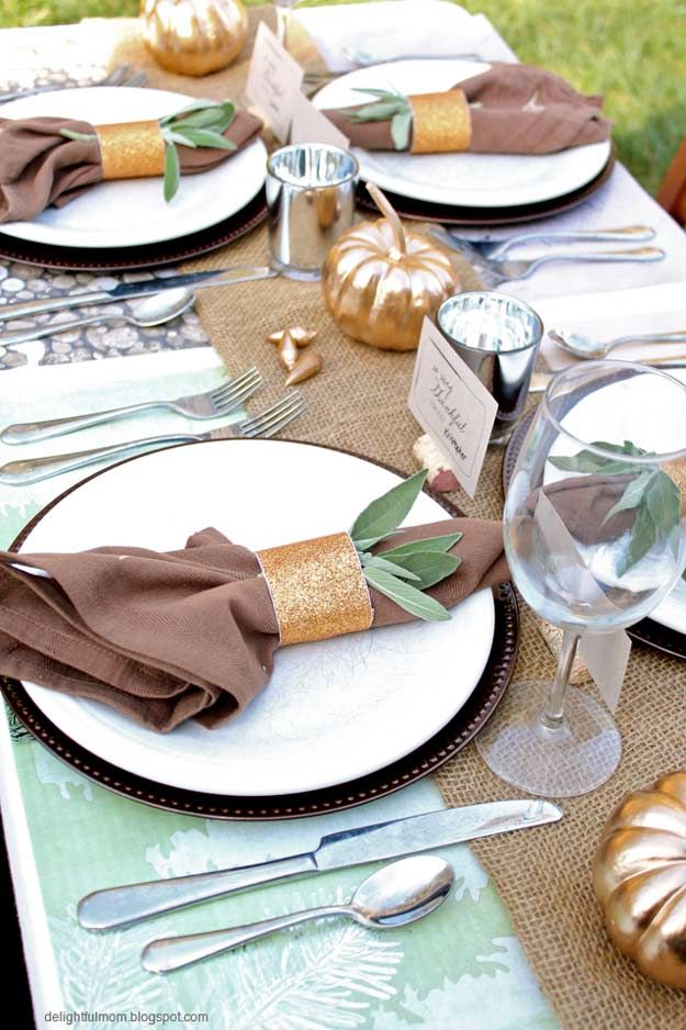 20 Thanksgiving Table Settings to WOW Your