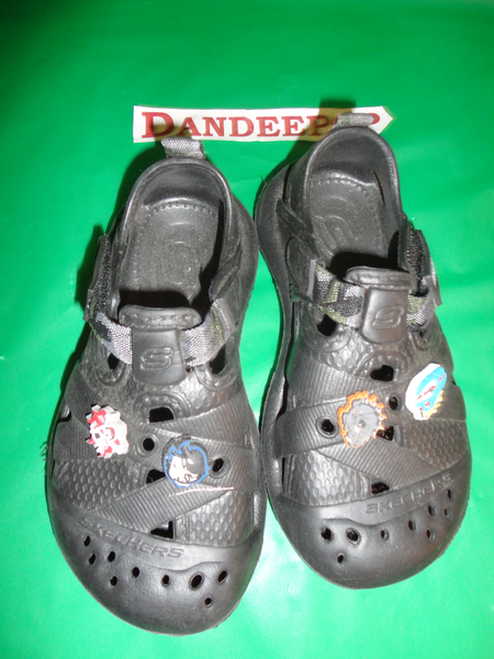 Boys Skechers Size 11 youth rubber croc