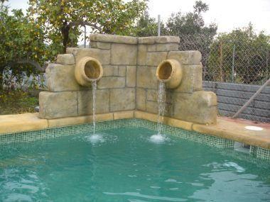 Decoraciones tematicas para jardines piscinas fuentes benacaz n piscinas construcci n - Fuentes para piscinas ...