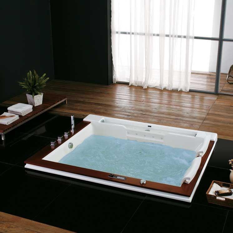 Seattle Luxury Whirlpool Tub   Whirlpool tub, Bathroom spa ...