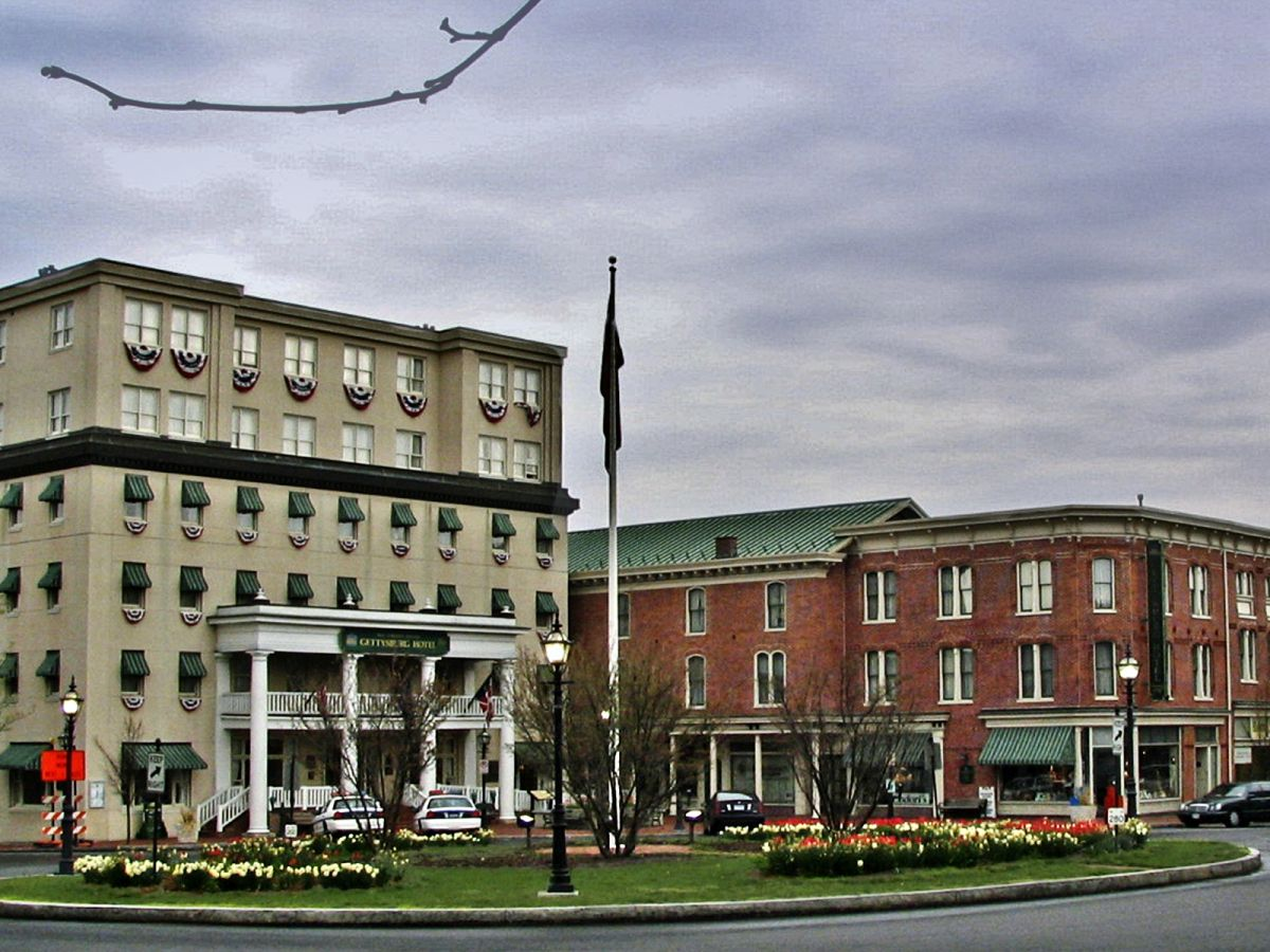 9 Super Haunted Hotels In America History