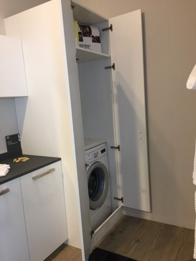 Lavanderia scavolini modello aquo con anta in decorativo colore larice voile colonna porta - Cucine con lavatrice ...