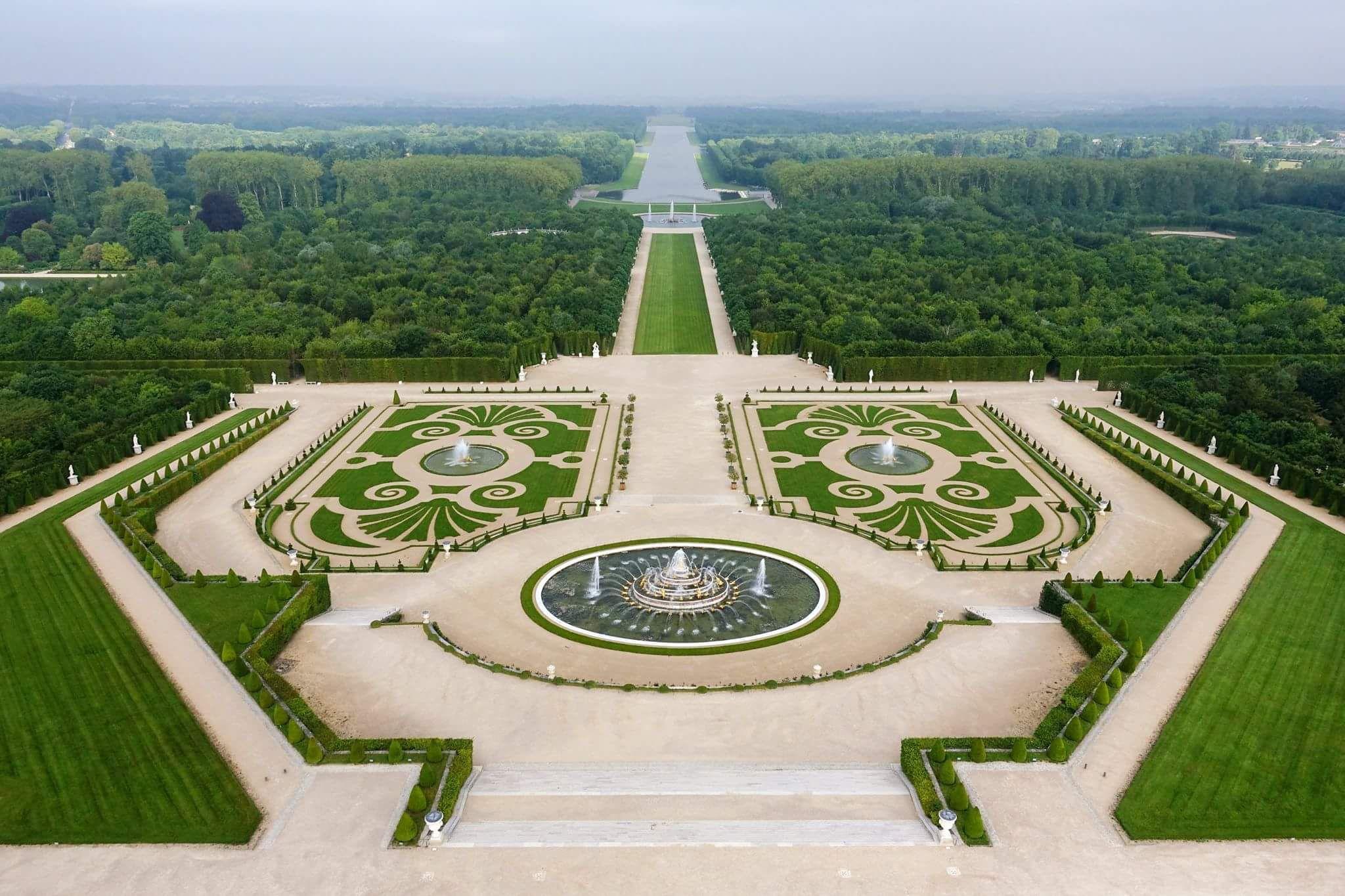 Jardins du ch teau de versailles thomas garnier for Jardin a la francaise chambord