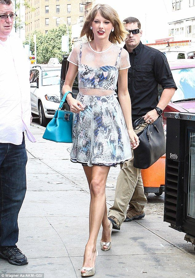 looks outfits taylor swift - Buscar con Google   Taylor Swift ...