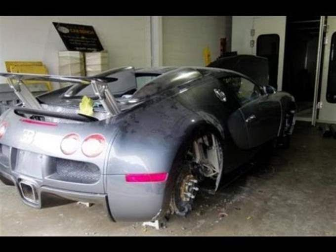 Abandoned Cars In Dubai 10 Barn Find Abandoned Cars In Dubai