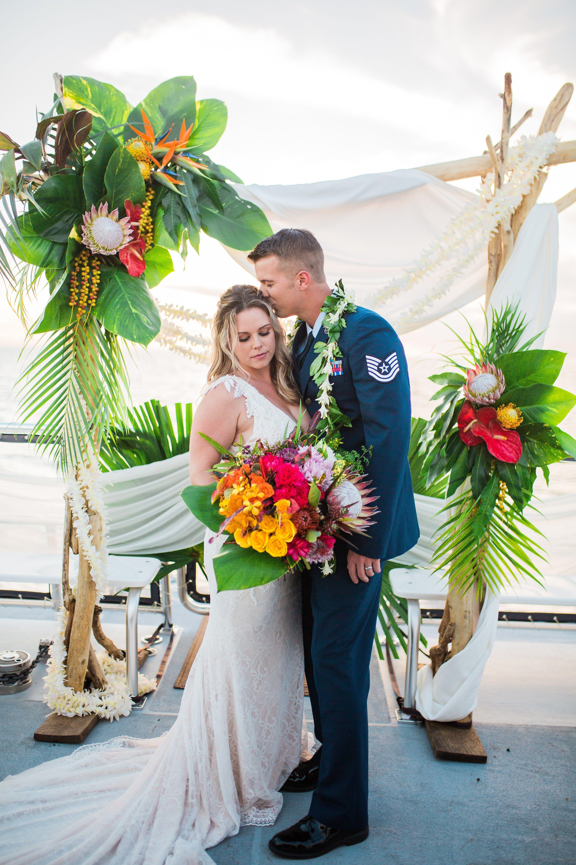 Hawaii Wedding Photographer Favorite Wedding Images 2018 Hawaii Wedding Hawaii Wedding Photographer Wedding Images