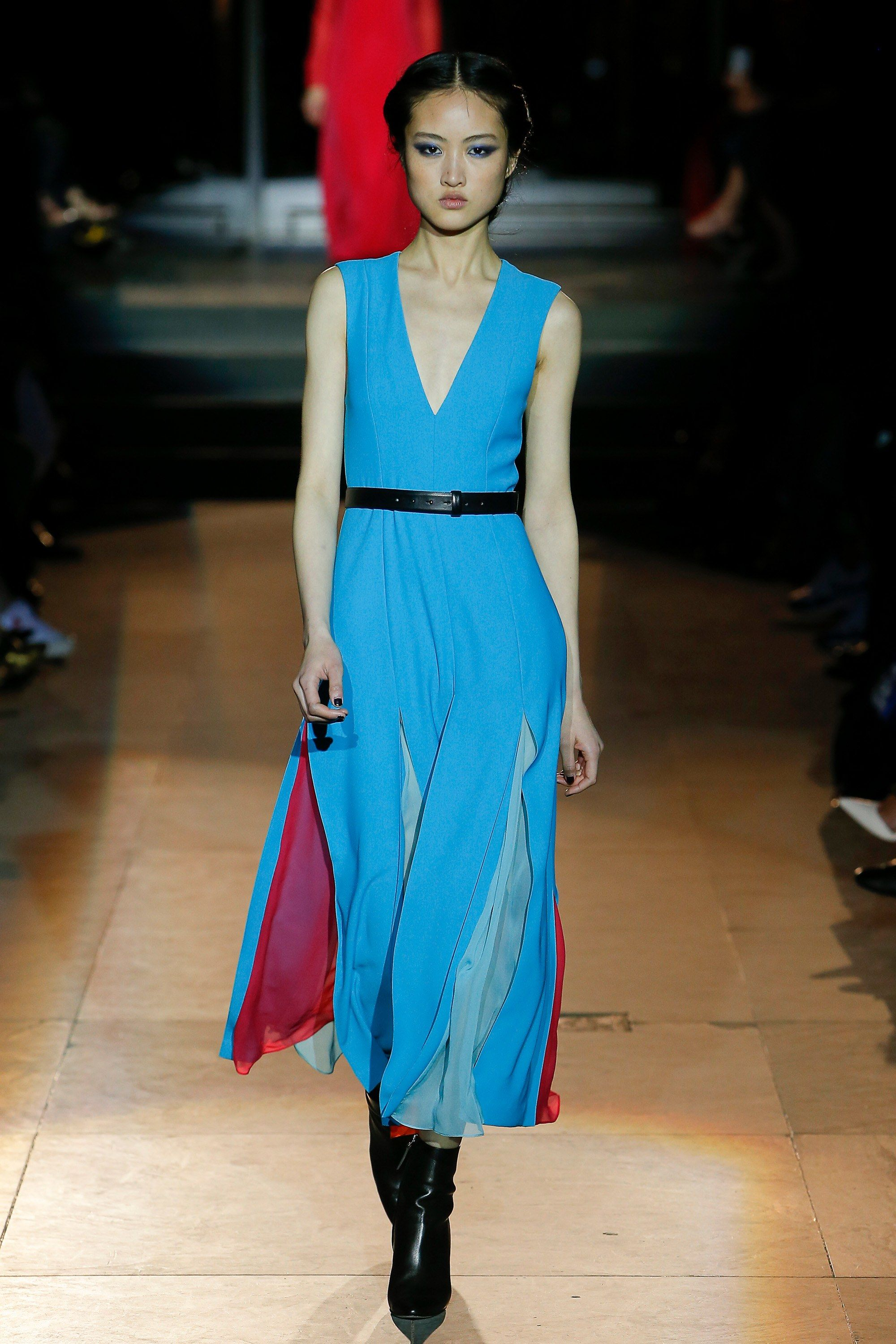 998e43a162763 The complete Carolina Herrera Fall 2018 Ready-to-Wear fashion show now on  Vogue Runway.