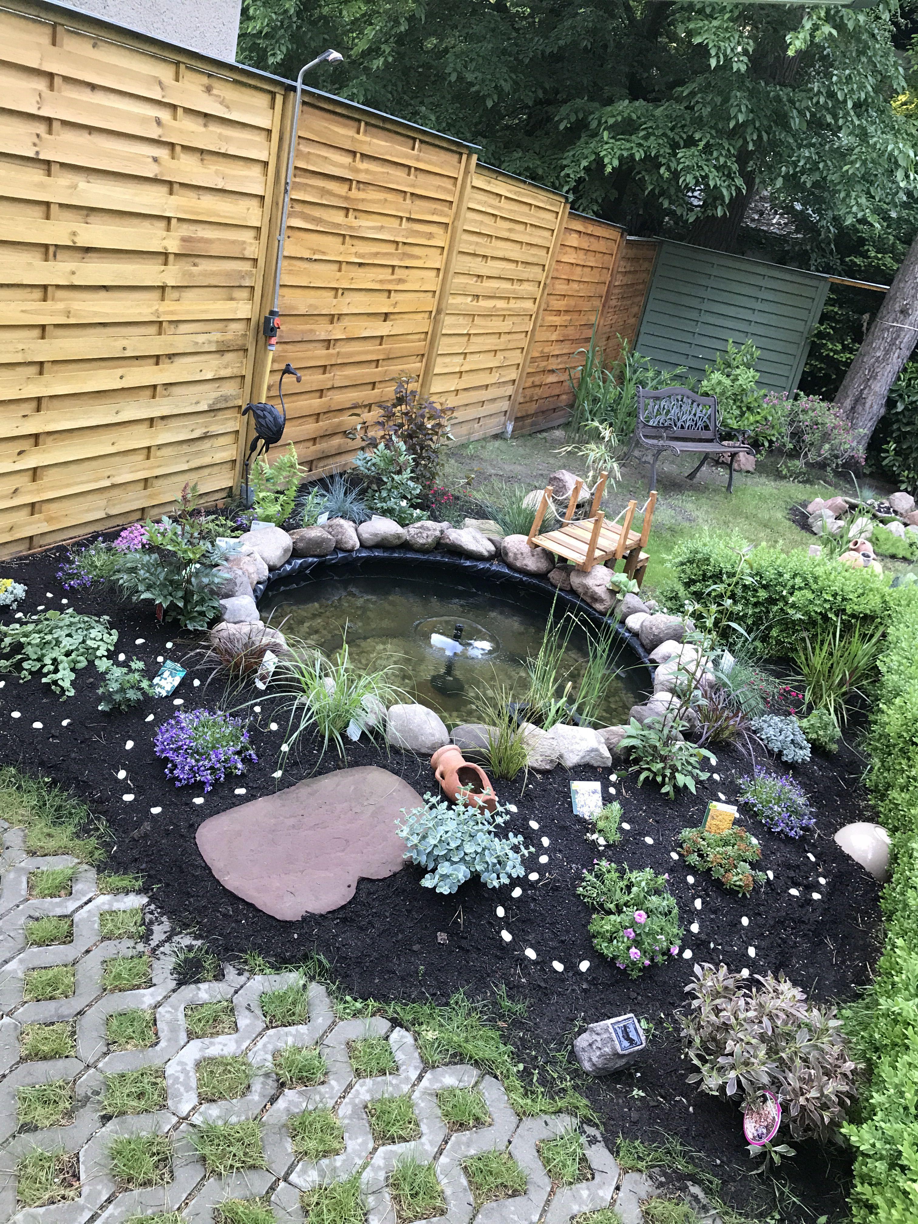 Teich Aus Traktorreifen Brunnen Garten Autoreifen Garten Pflegeleichter Garten