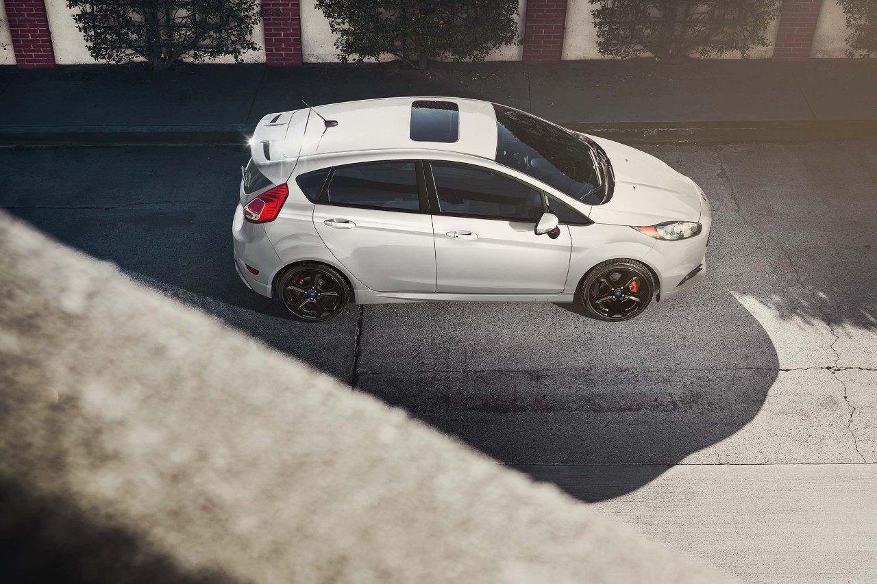 2018 Ford Fiesta St In White Platinum On The Road Dengan Gambar