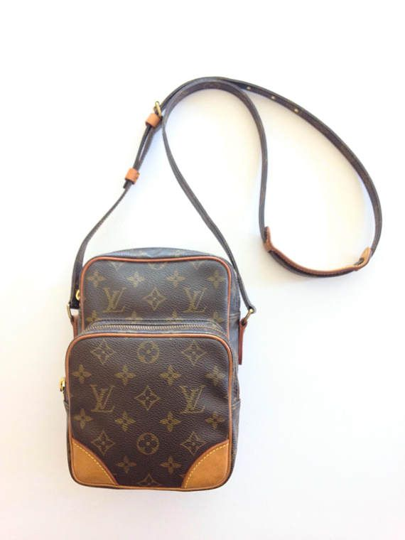 234e9a130250 Authentic Vintage 90 s LOUIS VUITTON Monogram Canvas Amazon PM ...