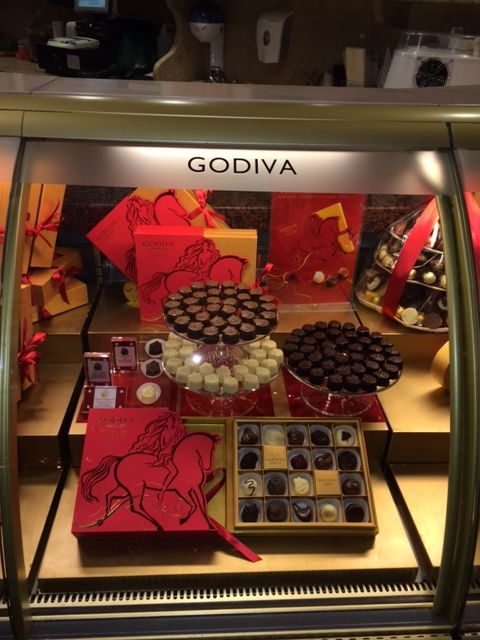 Visit the Harrods Food Hall and pick up our limited edition Chinese New Year gift boxes. £30   Available exclusively at Harrods, London. #YearoftheHorse