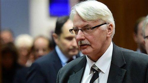 بولندا تستدعي السفير الألماني بسبب تصريحات معادية Mens Sunglasses Men Pilot
