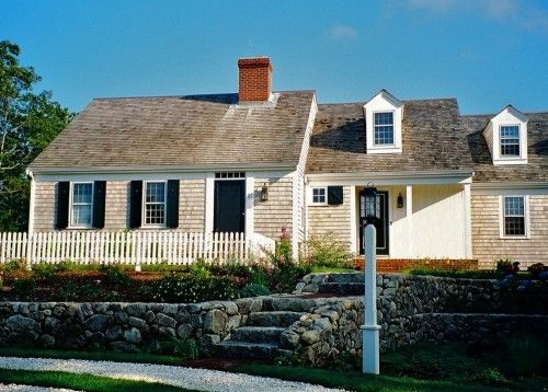 American Architecture The Elements Of Cape Cod Style Farmhouse Exterior Cape Cod House Exterior House Exterior