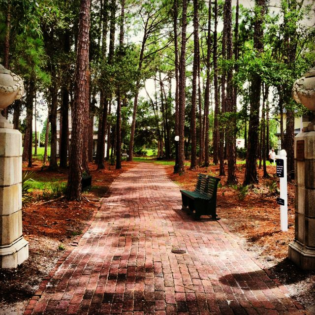 Tampa Bay Vacation Condo: Heritage Village, Clearwater Florida