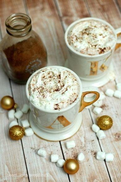 Reasons to Love Fall Weddings | Lover.ly - Seasonal beverages!