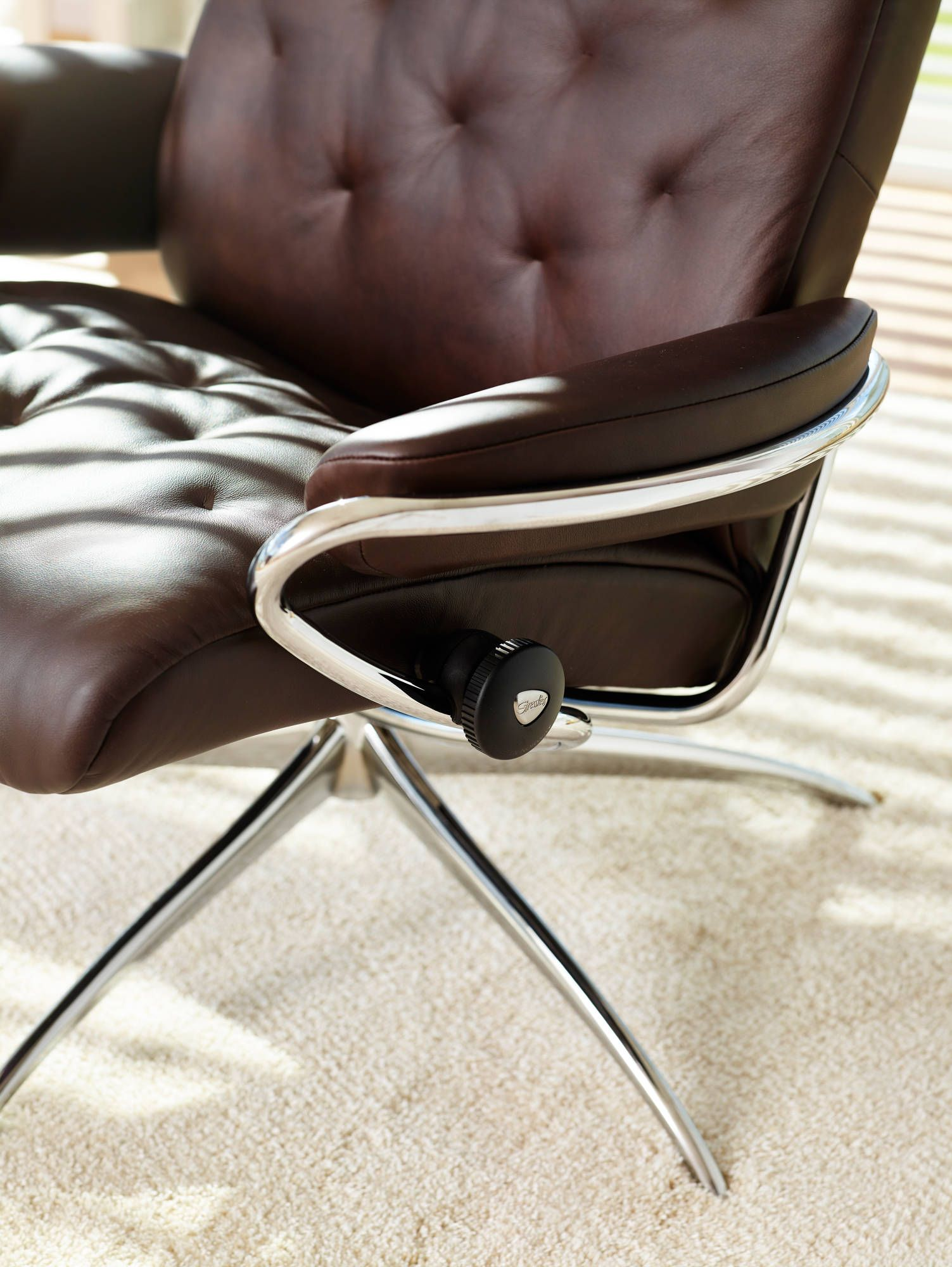 Stressless Sessel Bliss The Stressless Metro Chair Features Cutting Edge Contemporary