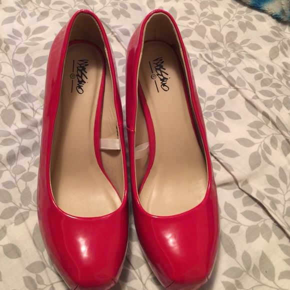 Mossimo red pumps Worn once! No marks or scuffs Mossimo Supply Co Shoes Heels