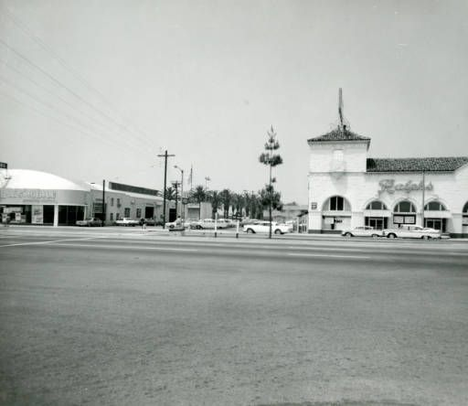 Vermont Avenue Ralphs Grocery With Pepperdine College