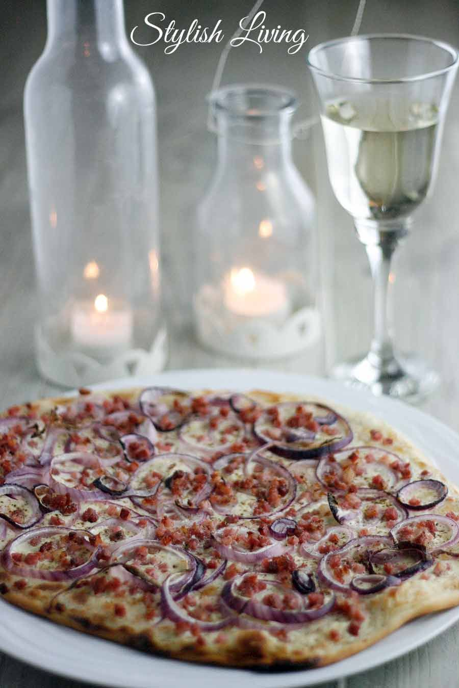 flammkuchen mit speck und zwiebeln schnell und einfach selbstgemacht my blog recipes pinterest. Black Bedroom Furniture Sets. Home Design Ideas