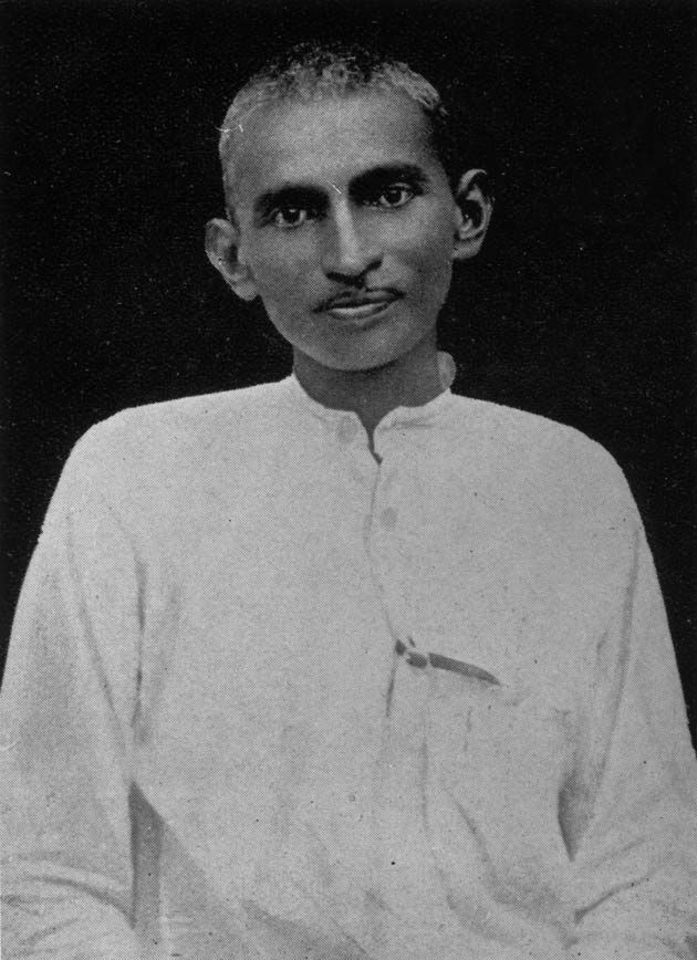 mahatma gandhi as a journalist  mohandas karamchand gandhi, popularly known as mahatma gandhi was a major political and spiritual l 7  gandhi had always dreamed of india as a place where hindus and muslims lived in harmony he was assassinated on 30 january 1948 onthe grounds of birla house, new delhi.