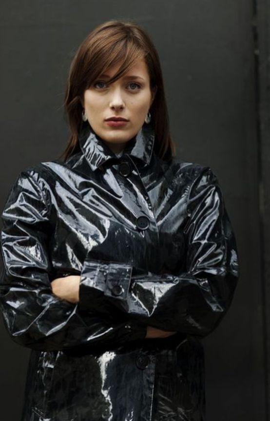 beautiful in her gorgeous shiny pvc trenchcoat plastic everyday fashion pinterest raincoat. Black Bedroom Furniture Sets. Home Design Ideas