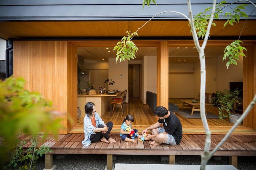 いいね 430件 コメント5件 Kazuya Ikezoiさん Kazuya Ikezoi のinstagramアカウント 大窓で外と開放的につながる家 縁側と深い軒下空間をつくって外と中をゆるやかにつなぎました 外にも中にも木をたくさん使って ゆっくり一休みが気持ちイイ 縁側