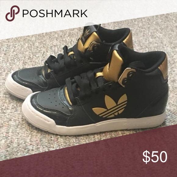 Adidas scarpe di colore nero e oro adidas scarpe da ginnastica alte mai indossato