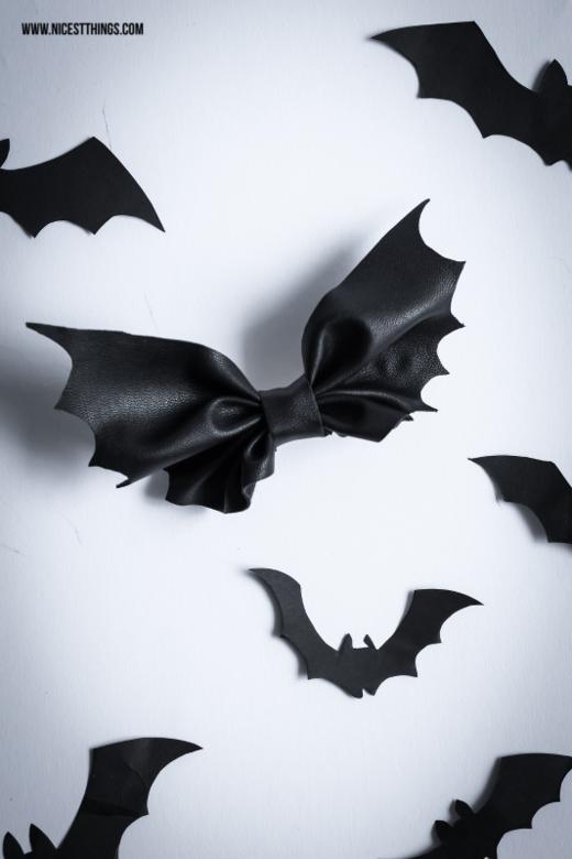 Halloween DIY Bat Bow / Fledermaus Schleife und Halloween Kostüm - Nicest Things #mamp;mcostumediy