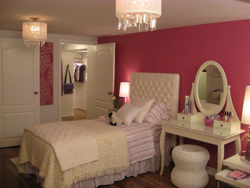 Single woman bedroom idea--maybe larger bed, but I like the vanity ...