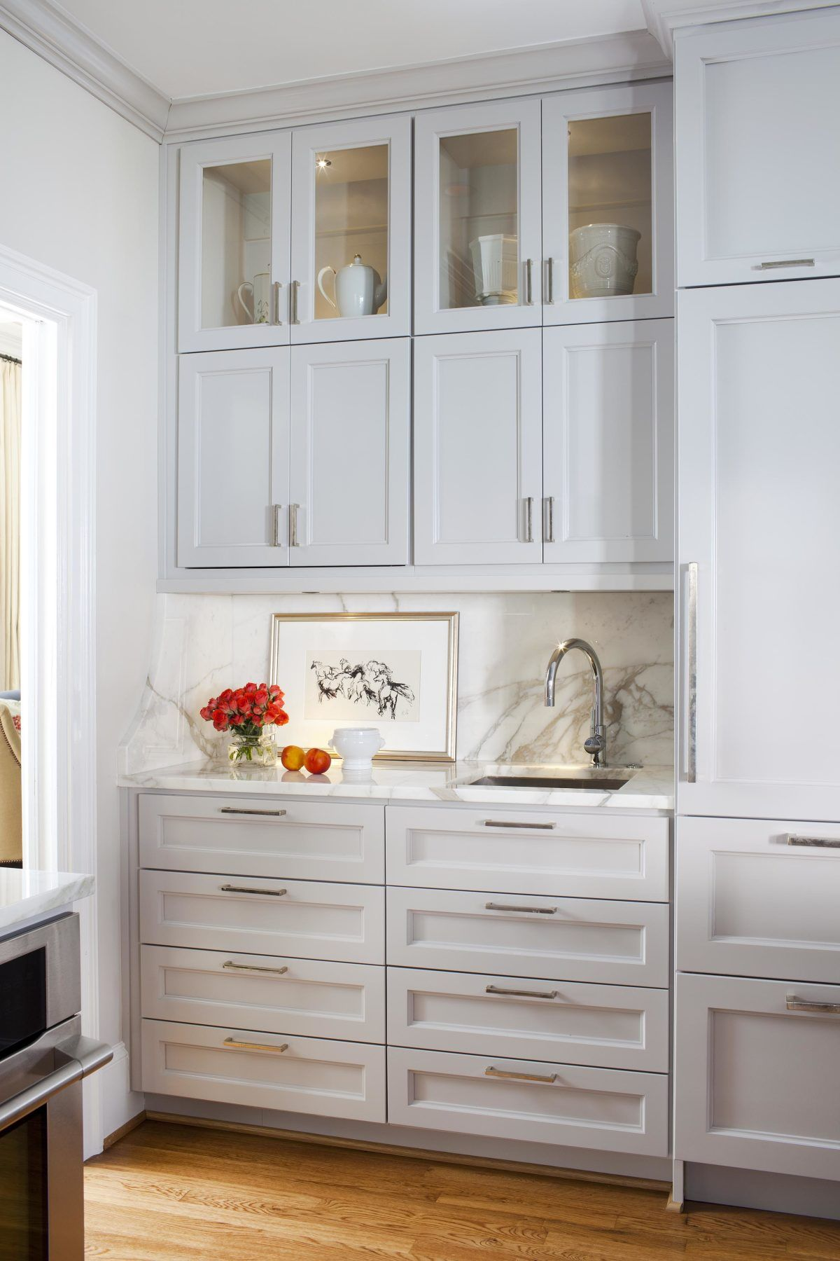 Classic Kitchen With A Full Wall Of Marble Kitchen Cabinets To Ceiling Cabinets To Ceiling New Kitchen Cabinets
