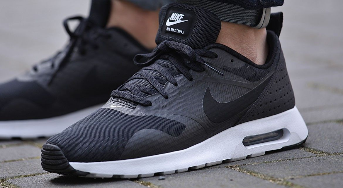air max tavas white black