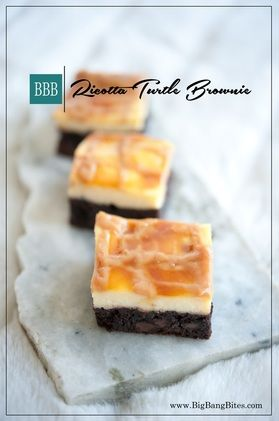 Ricotta Turtle Brownie | Big Bang Bites | bigbangbites.com | Chocolate chip brownies with a creamy ricotta cheese layer and drizzled with caramel.
