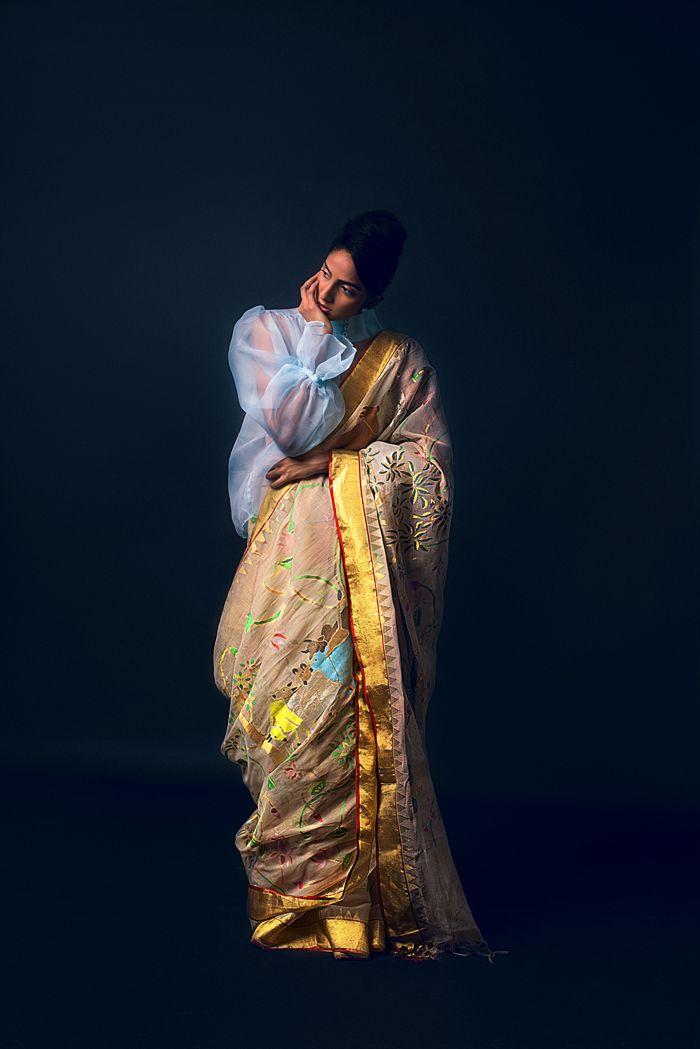 Designer Sailesh Singhania's handloom saree. #khadi #handloom #saileshsinghania   Saree draping ...
