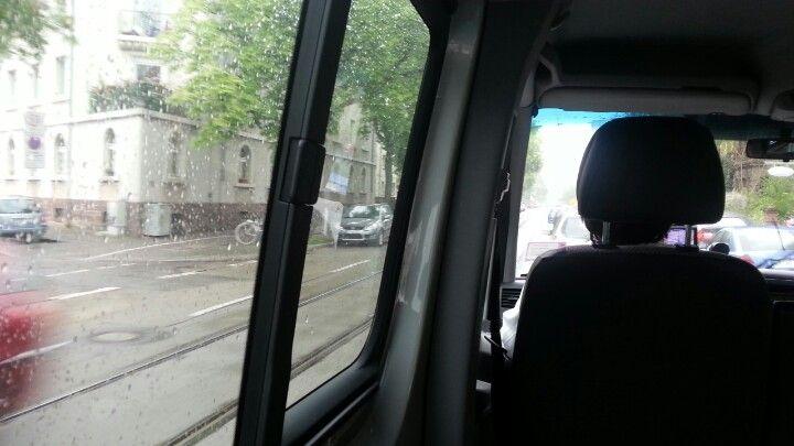 Für heute Reha-Feierabend. Heimtransport bei Pisswetter.  ;-)