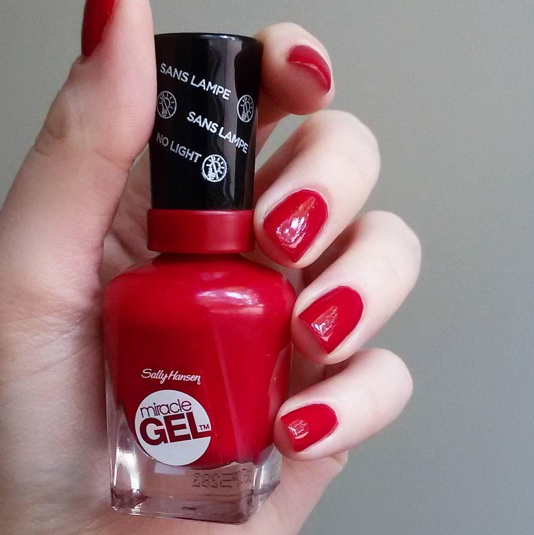 Rhapsody Red Sally hansen miracle gel, Miracle gel